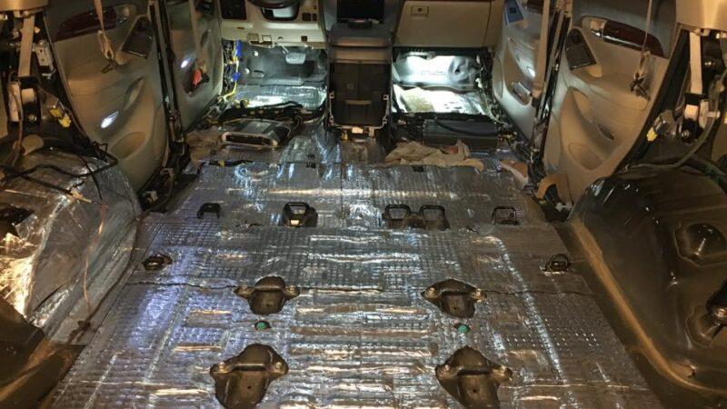 Вигляд готової шумоізоляції підлоги автомобіля